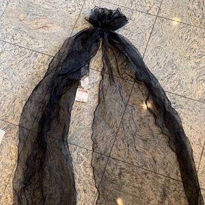 Accessories - Badgley Mischka Black shawl / Scarf